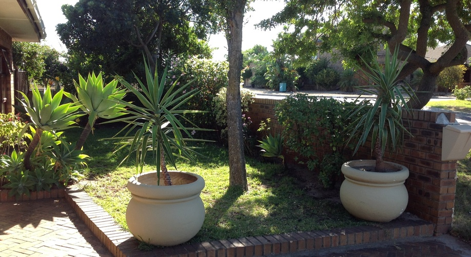 Guest House Accommodation in Kuilsriver, Cape Town
